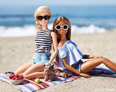 "42.1K 次赞、 266 条评论 - Barbie® (@barbiestyle) 在 Instagram 发布:""My idea of a perfect Saturday, beach picnic with my besties!  #barbie #barbiestyle"""