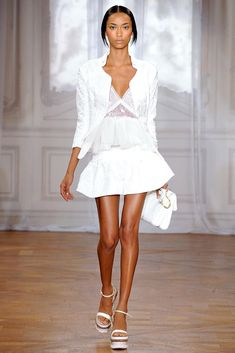 411def00eb7d Nina Ricci Spring 2012 Ready-to-Wear Collection - Vogue Fashion Moda