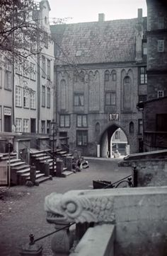 Danzig in alten Farbfotos (PL) (Galerie) - Mitteleuropa - Architectura Pro Homine Danzig, The Third Reich, Prussia, Historical Photos, Old Town, Old Photos, Poland, Places To Visit, Funny Pictures
