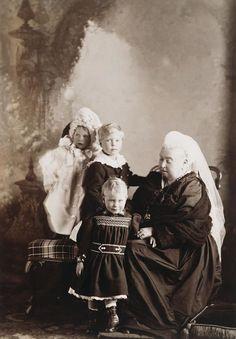 Queen Victoria Children, Queen Victoria Family, Prince Edward, Prince Albert, Duchess Of York, Duke And Duchess, Victoria's Children, Royal Collection Trust, Princess Mary
