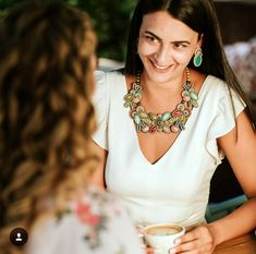 Bonjour...It's a beautiful fashionable day. ☕😊 #doricsengeri #designerjewelry #statementnecklace #floralnecklace #fashionasalifestyle #multicolorsnecklace