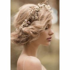 hair romance on pinterest coiffures chignons and fashion models. Black Bedroom Furniture Sets. Home Design Ideas