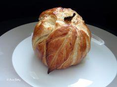 Rombosse de Mariembourg Bread, Food, Beginner Cooking, Belgian Cuisine, Sweet Recipes, Apple, Easy Meals, Meal, Brot