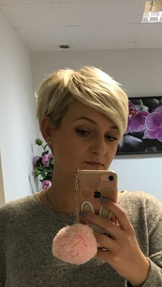 Pixie short haircut, love it absolutely easy to style! Pixie short haircut, love it absolutely easy to style! Short Pixie Haircuts, Cute Hairstyles For Short Hair, Pixie Hairstyles, Trendy Hairstyles, Short Hair Cuts, Short Hair Styles, Pixie Cuts, Haircut For Older Women, Great Hair
