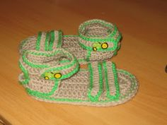 sandal - free pattern - also has links to other sites with info on sizing sole