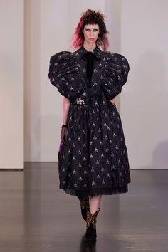 Marc Jacobs Resort 2017 Fashion Show - Sarah Abney