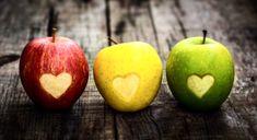 East Urban Home Gerahmtes Wandbild Ampel Herzäpfel Healthy Life, Healthy Snacks, Healthy Eating, Healthy Heart, Share Pictures, 100 Calorie Snacks, Yellow Apple, Apple Activities, Farmers Almanac