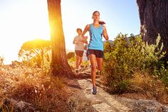 Outdoor Calorie Burners: Your Guide to Proper Trail Running. Get safety tips that will prevent injuries and boost your workout results! Best Trail Running Shoes, Running Tips, Running Women, Running Sneakers, Best Fitness Programs, Workout Programs, Zumba, Course Trail, Greenwood Village
