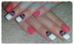 Nails done by Angelique Allegria. #Coral #white #nailart #ArtDesigns #BeUnique @angiedsa