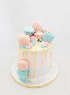 Birthday Drip Cake, Baby Birthday Cakes, Beautiful Birthday Cakes, Birthday Cake Decorating, Pretty Cakes, Cute Cakes, Yummy Cakes, Bolo Drip Cake, Drip Cakes