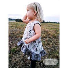 Onesie Pattern, Baby Pants Pattern, Jumper Patterns, Baby Clothes Patterns, Pocket Pattern, Baby Patterns, Clothing Patterns, Girls Jumpers, Pdf Sewing Patterns