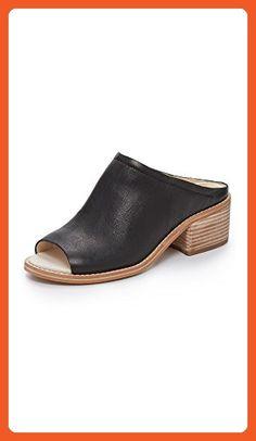 a5e060f0e7d9 12 Best travel shoes images