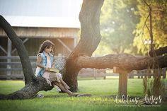 Dallas Child Photographer, old barn, vintage, tree Dallas, Child Photographer, Photographing Kids, Rustic Barn, Daisies, Garden Sculpture, Baby Kids, Children, Outdoor Decor