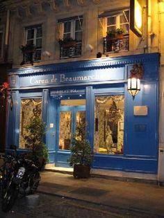 Favorite boutique hotel in Paris. Hôtel Caron de Beaumarchais | The Rich Life (on a budget)