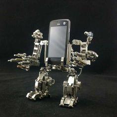 FORT Mech Cellphone Holder - www.GonnaWannaGetit.com