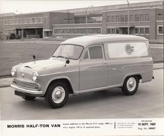 Morris Half-Ton Van - 1962 Classic Trucks, Classic Cars, Austin Cars, Old Lorries, Van Car, Old Commercials, Vintage Vans, Commercial Vehicle, Old Trucks