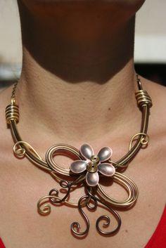 beautiful aluminium wire necklace