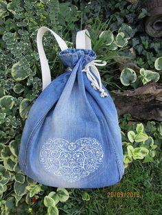 Handmademaja / Recy vak na chrbát s FOLK výšivkou Drawstring Backpack, Fashion Backpack, Folk, Backpacks, Jeans, Satchel Handbags, Bags, Popular, Forks