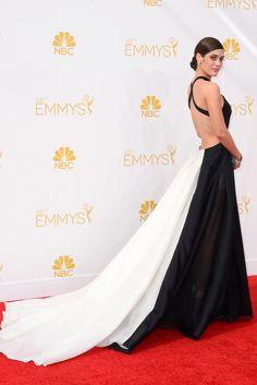 Lizzy Caplan. La 'chica mala' reconvertida en 'Master of sex' eligió un vestido de Donna Karan Atelier. #glamourspain