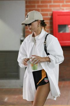 Summer Outfits, Casual Outfits, Fashion Outfits, Celebrity Outfits, Celebrity Style, Image Swag, Street Style Outfits, Hailey Baldwin Style, Jupe Short