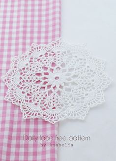 free crochet doily patterns Crochet doily by Anabelia Some tutorial photos - chart also provided Crochet Diy, Filet Crochet, Mandala Au Crochet, Beau Crochet, Free Crochet Doily Patterns, Crochet Dollies, Crochet Chart, Crochet Squares, Love Crochet