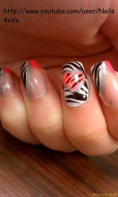 I HATE FAKE NAILS BUT I <3 THIS DESIGN.