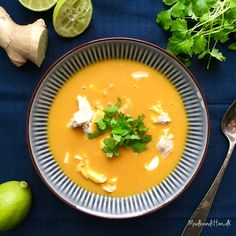 Denne suppe var et stort hit herhjemme - hos mig men også hos ungerne, som lappede den i sig! Den er lækker cremet i konsistensen, har en smuk orange farve og smager af Thailand. Hvis jeg laver en ... Lchf, Keto, Butternut Squash, Cilantro, Thai Red Curry, Paleo, Soup, Cooking Recipes, Low Carb