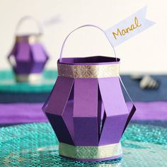 Ramadan Paper Lantern Place Cards - Best Picture For diy projects For Your Taste You are looking for something, and it is going to te - Ramadan Diy, Ramadan Crafts, Small Lanterns, Paper Lanterns, Eid Crafts, Paper Crafts, Decoraciones Ramadan, Diy For Kids, Crafts For Kids