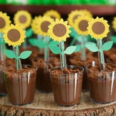 81 inspiring ideas to copy - Birthday FM : Home of Birtday Inspirations, Wishes, DIY, Music & Ideas Sunflower Birthday Parties, Sunflower Party, Sunflower Baby Showers, 2nd Birthday Parties, Zombie Birthday, Bear Birthday, Animal Birthday, Bee Party, Farm Party
