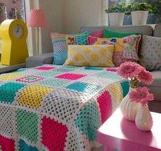 Crochet Bedspread Pattern, Crochet Quilt, Crochet Pillow, Crochet Home, Crochet Blanket Patterns, Easy Crochet, Crochet Baby, Granny Square Häkelanleitung, Granny Square Crochet Pattern
