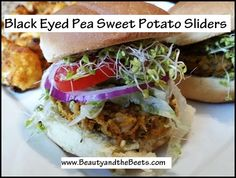 Black eyed peas are unusual and unexpected in this recipe for Black Eyed Pea Sweet Potato Sliders. Clean Eating, Healthy Eating, Veggie Dishes, Black Eyed Peas, Healthy Treats, Sliders, Sweet Potato, Vegetarian Recipes, Meatless Monday