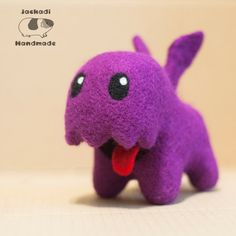 Cute needle felted starcraft zergling toy based off the Starcrafts youtube series by carbot animation studio  #geek #gift