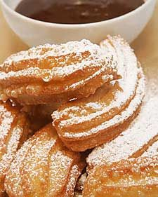 Today we found the quick and easy way to make churros recipe. There is yummy churros recipe. Made these just now and dipped them in chocolate dipped sauce. There are 2 recipes. This fi. Yummy Treats, Delicious Desserts, Sweet Treats, Yummy Food, Easy Churros Recipe, Churro Recipe, Mexican Food Recipes, Dessert Recipes, Mexican Dishes