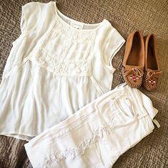 Look white avec la blouse blanche Sud express.