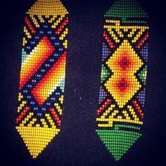 Manillas lo puedes en contrar en la feria #expoartesano #medellin stand 62 @werakaukiadarbuka #plazamayormedellin ##colores #diseños #artesanias #colombia #cultura #chaquiras #mostasillas Bead Loom Patterns, Peyote Patterns, Hama Beads, Seed Beads, Beads Pictures, Native Art, Loom Beading, How To Make Beads, Aztec