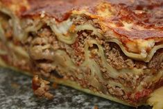 Lasanhas | Receitas Do Céu Lasagna, Ethnic Recipes, Food, Carrot, Salads, Meat Lasagna, Pyrex, White Wine, Ethnic Food