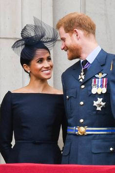 Meghan Markle and Prince Harry have never been shy about showing affection in public. From their first public outing as a couple to the big royal wedding on May here are the Duke and Duchess of Sussex's sweetest PDA moments. Prince Harry Et Meghan, Meghan Markle Prince Harry, Princess Meghan, Amal Clooney, Katie Holmes, Prinz Harry Meghan Markle, News Stars, Romantic Anniversary, Elisabeth Ii