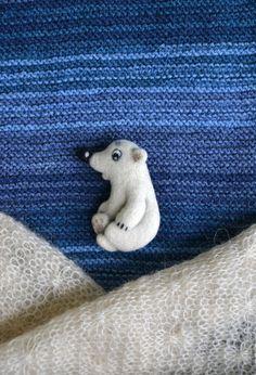 Handmade Soft Toys, Handmade Felt, Brooches Handmade, Needle Felted Animals, Felt Animals, Needle Felting Tutorials, Felt Brooch, Felt Art, Felt Crafts