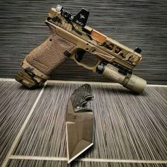 Airsoft hub is a social network that connects people with a passion for airsoft. Talk about the latest airsoft guns, tactical gear or simply share with others on this network Weapons Guns, Airsoft Guns, Guns And Ammo, Custom Guns, Custom Glock, Shooting Guns, Military Guns, Cool Guns, Firearms