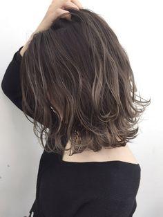 Ideas Hair Bob Wavy Medium in 2020 Medium Hair Styles, Short Hair Styles, Hair Medium, Hair Arrange, Burgundy Hair, Box Braids Hairstyles, Relaxed Hair, Hair Highlights, Balayage Hair