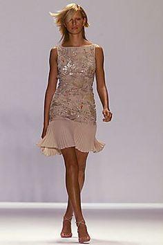 Carolina Herrera Spring 2002 Ready-to-Wear Fashion Show - Karolina Kurkova, Carolina Herrera