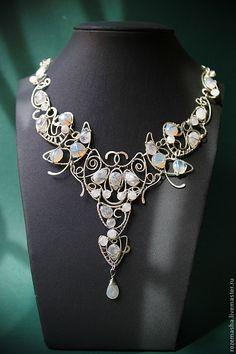 Купить Колье Белая Ночь - белый, серебряный, серебристый, посеребрение, лунный камень, адуляр