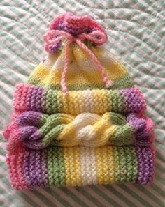 This Pin Was Discovered By Col - Marecipe Baby Knitting Patterns, Baby Girl Patterns, Baby Hats Knitting, Loom Knitting, Knitting Designs, Free Knitting, Knitted Hats, Crochet Patterns, Crochet Amigurumi