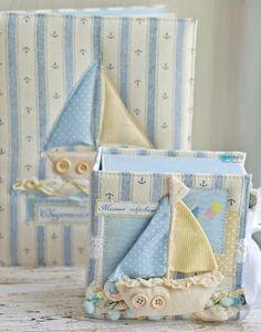"""В наборе шкатулка - мамины сокровища и обложка на свидетельство о рождении, все в морском стиле Радуясь Мелочам: Мальчуковый набор """"Кораблик"""""""