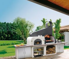 Barbecue Patio Ideas - With the weekend drawing to a close and summer just on the way, getting a barbecue station running might be an idea on the top of your mind. Outdoor Spaces, Outdoor Living, Outdoor Decor, Design Barbecue, Barbecue Garden, Malibu Mansion, Plein Air, Gazebo, Shops