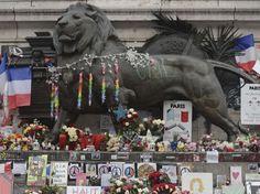 PHOTOS. Attentats de janvier : la rue se souvient