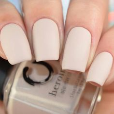Want some ideas for wedding nail polish designs? This article is a collection of our favorite nail polish designs for your special day. Read for inspiration Matte Acrylic Nails, Simple Acrylic Nails, Matte Gray Nails, White Shellac Nails, Neutral Gel Nails, Ivory Nails, Short Square Acrylic Nails, Cute Nails, My Nails