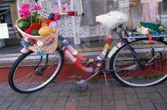 Bike in knitwear, guerrilla knitting on the road :-)