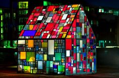 Tom Fruin sculpture