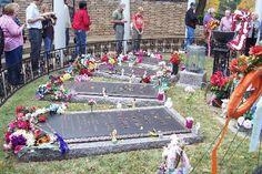 Graceland resting places